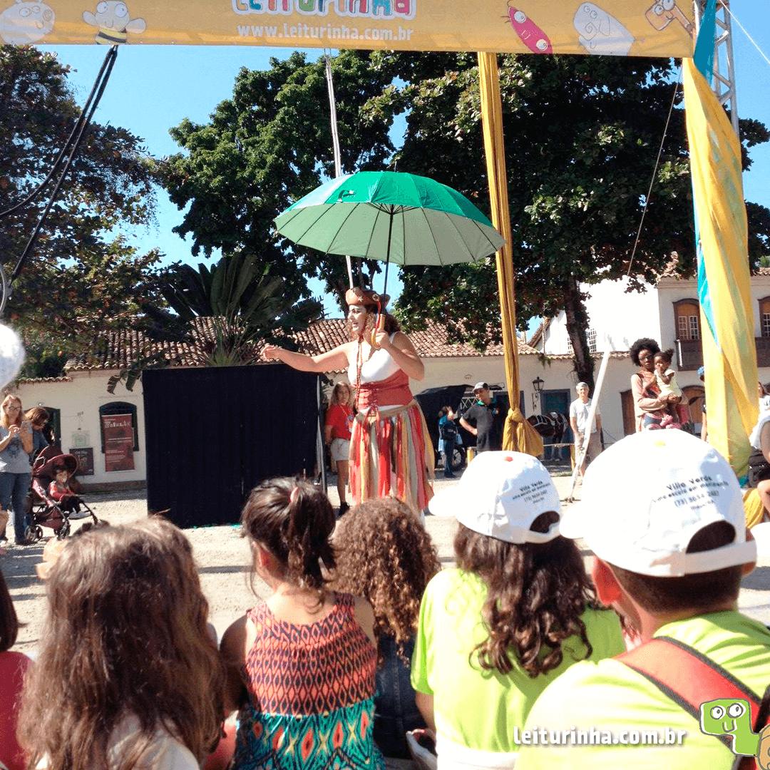O espetáculo foi aberto ao público e fez parte da programação infantil da Flip.